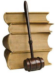 Что подарить юристу?