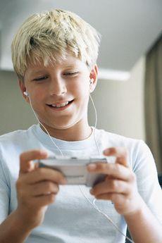 Что подарить мальчику на 13 лет?