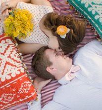 Что подарить на первую годовщину свадьбы?