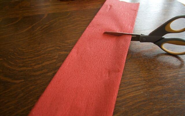 Изготовление цветов из гофрированной бумаги: красивые поделки
