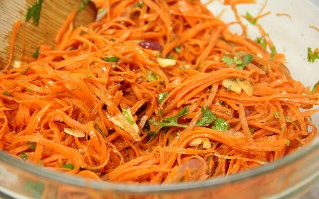 Как делать корейскую морковь: быстрая острая закуска