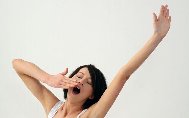 Как делать зарядку для похудения: простые утренние упражнения