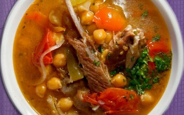 Как готовить бозбаш: суп с кислинкой