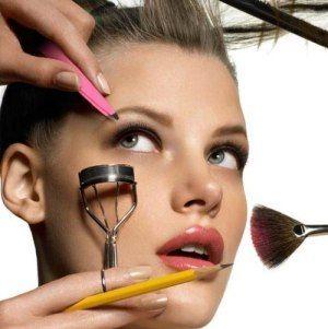 Как красиво наносить макияж