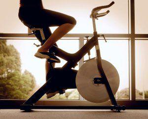Как правильно заниматься в тренажерном зале, чтобы похудеть без тренера?