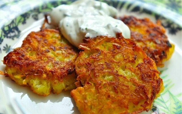 Как приготовить драники из картошки: легкая вкуснятина
