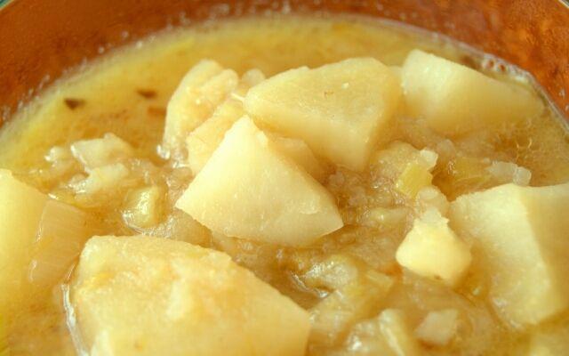 Как приготовить картофельный суп: доступное первое блюдо