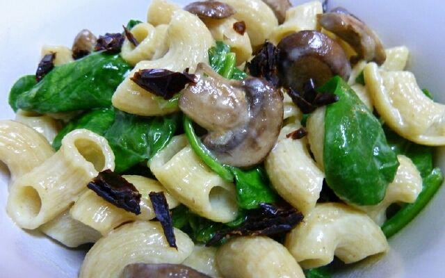 Как приготовить пасту с грибами: шампиньоны и компания