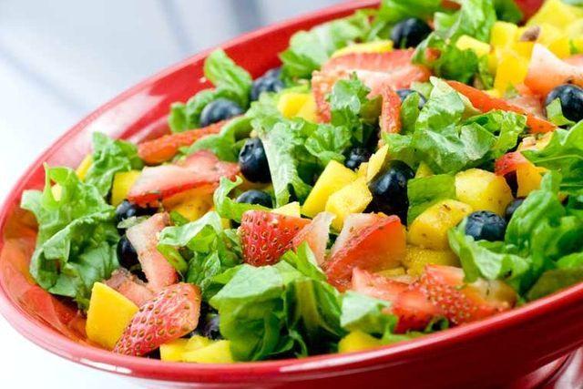 Как приготовить вкусный диетический салат для похудения?