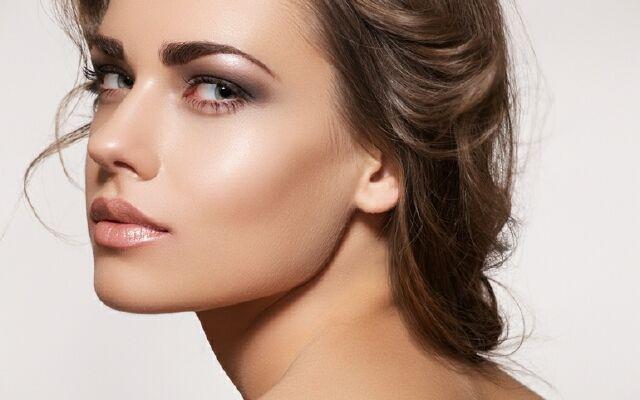 Как сделать легкий макияж: наводи красоту быстро