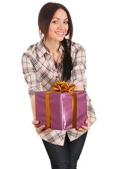 Как сделать недорогой подарок подруге?