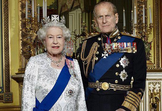 God Save The Queen: официальный портрет Елизаветы в честь юбилея