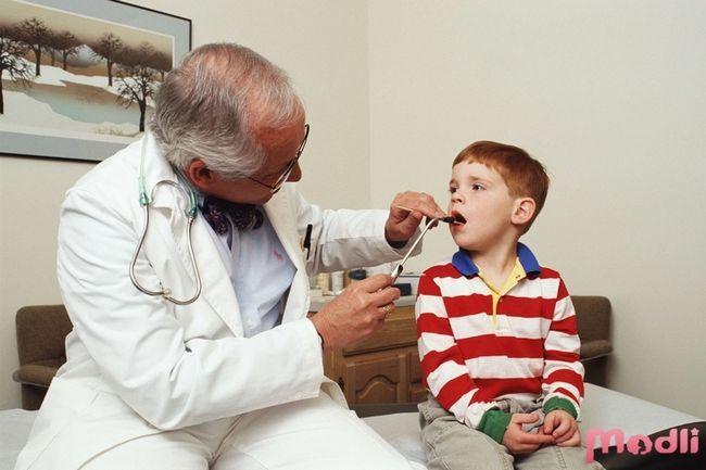 Стоматит - симптомы и лечение у детей и взрослых