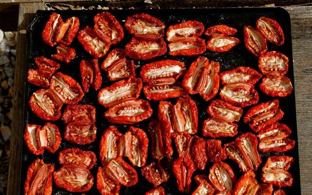 Вяленые помидоры в домашних условиях: оригинальный компонент для блюд