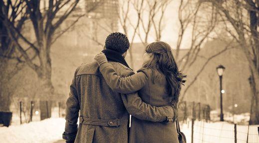 Влюбленная пара: игры в песочнице