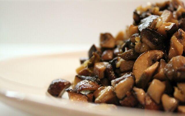 Жарка шампиньонов на сковороде: вкусные грибочки